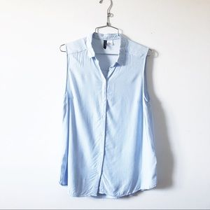 3/20$ H&M divided blue and white